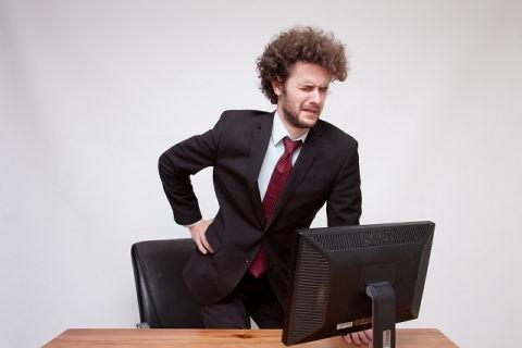 会社の椅子に長時間座って腰が痛い人におすすめ